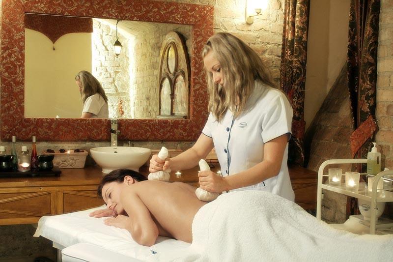 Massage im Hotels Kliczkow. Foto: Hotel Kliczkow