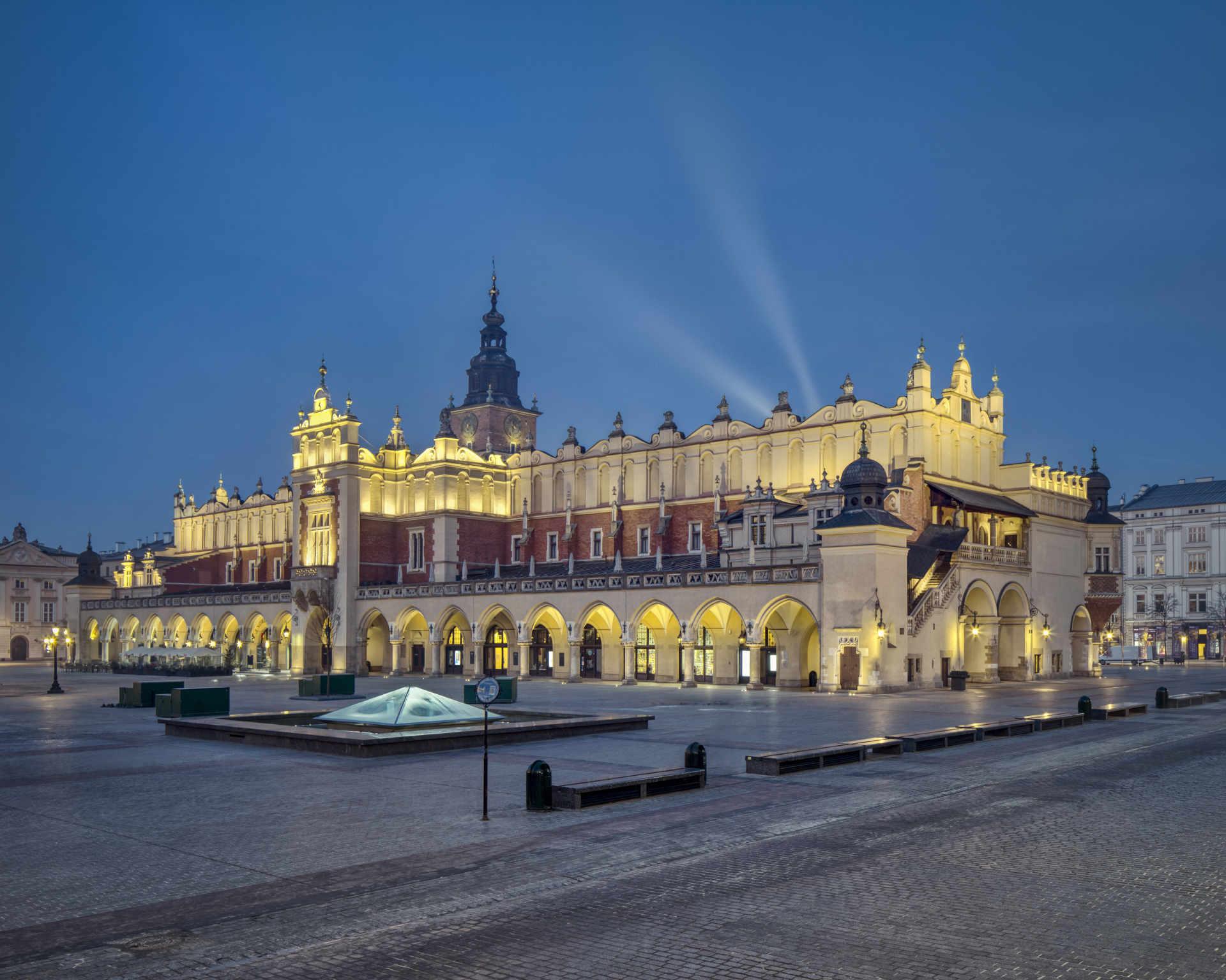 Zu sehen sind die Krakauer Tuchhallen, Bild: Tomasz Lewandowski