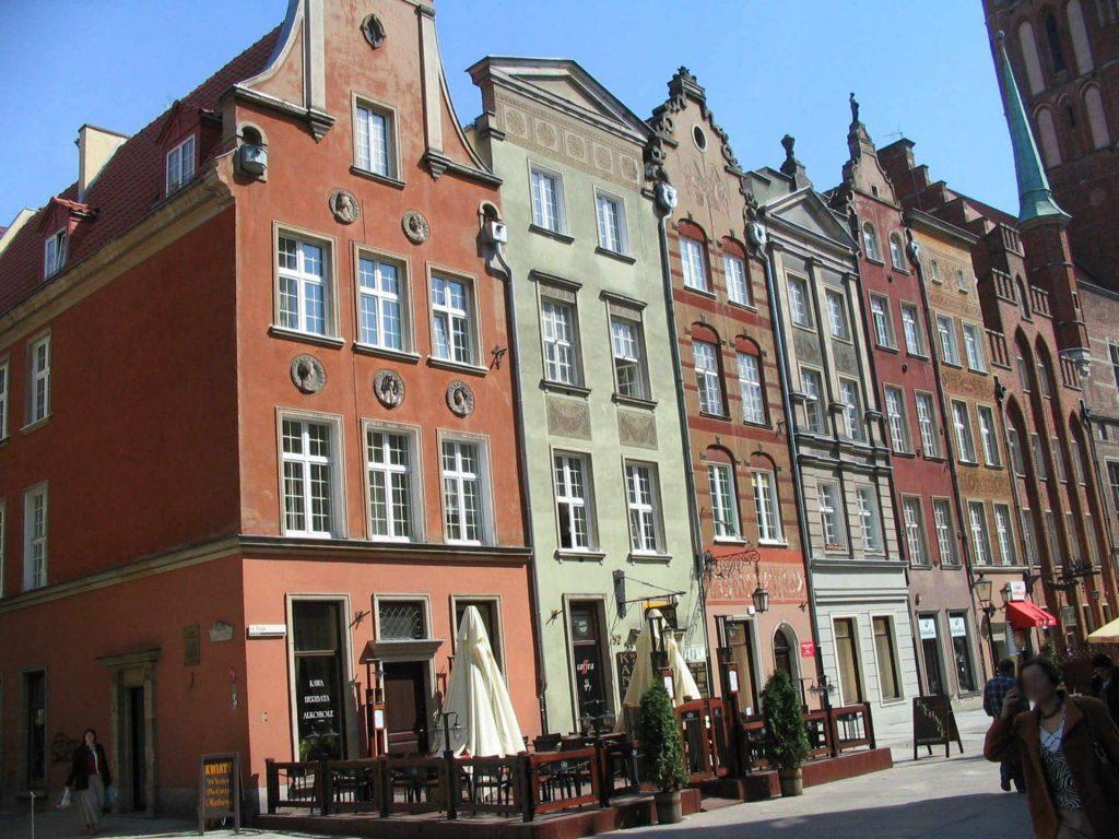 Zu sehen sind Altstadthäuser in der Danziger Rechtstadt, Bild: User Benhamburg at wikivoyage shared
