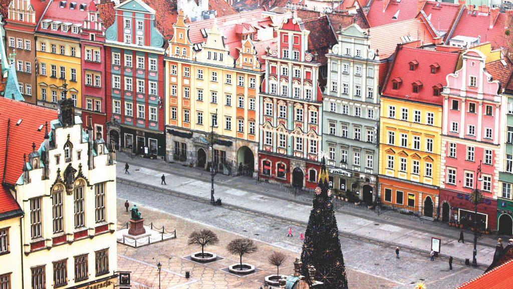 Zu sehen sind Bürger- und Geschäftshäuser am Breslauer Ring, Bild: Photographs by Radosław Drożdżewski (UserZwiadowca21)
