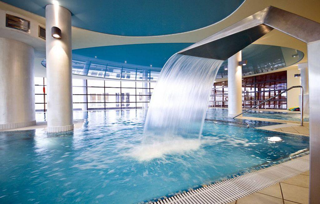 Zu sehen ist ein Schwimmbad im Hotel Ikar Plaza in Kolberg, Bild: Hotel Ikar Plaza