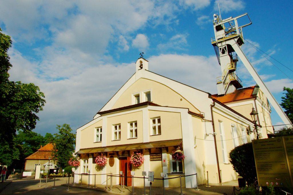 Zu sehen ist der Eingang des Salzbergwerks Wieliczka, Bild: Ferdziu