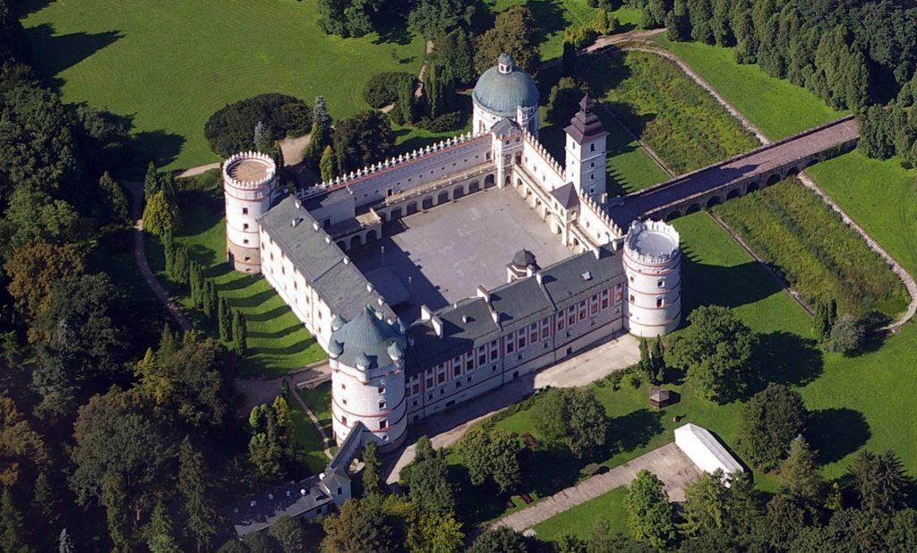 Zu sehen ist die Renaissance-Burg Krasiczyn, Bild: Loboviusz