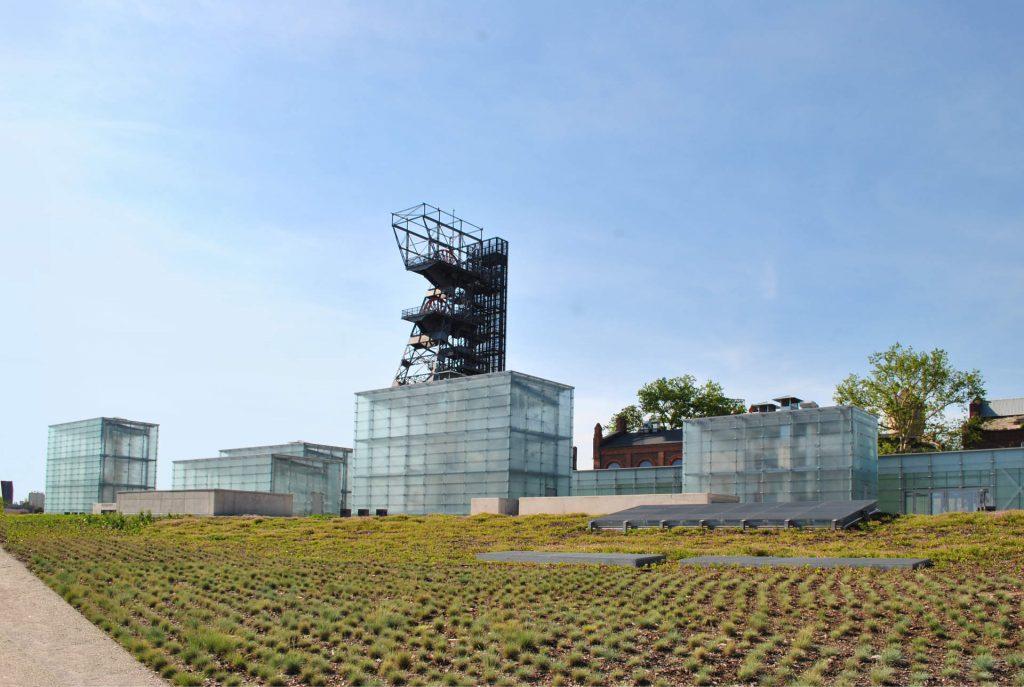 Zu sehen ist das Neue Schlesische Museum in Kattowitz, Bild: MacQtosh