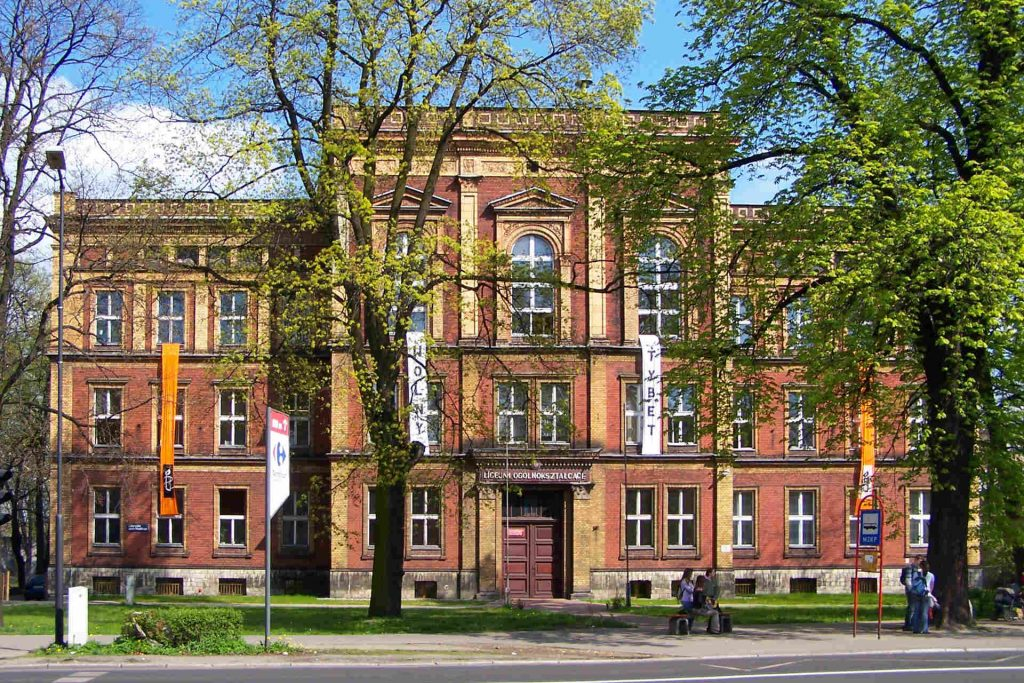 Zu sehen ist die Stanisława Staszica Schule in Tarnowitz, Bild: Lestat Jan Mehlich