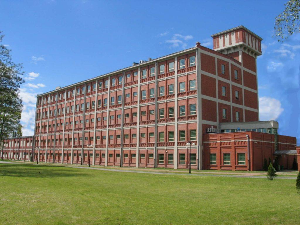 Zu sehen ist die Hauptbibliothek der Technischen Universität in Łódź, Bild: HuBar