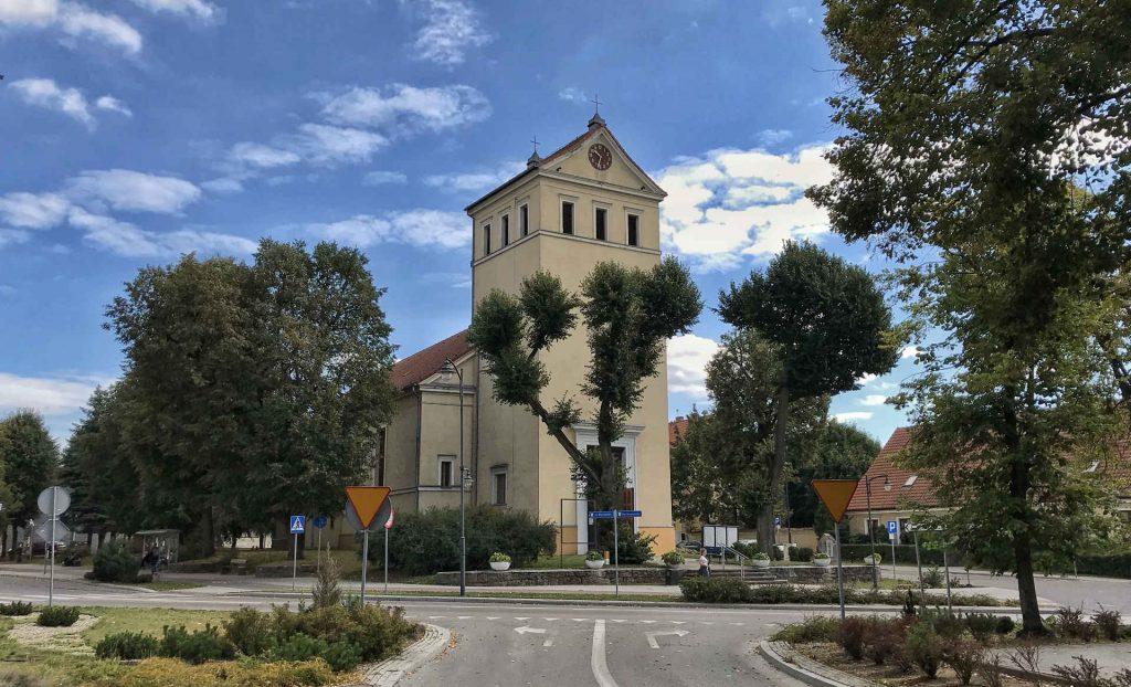 Zu sehen ist die Pfarrkirche in Lötzen, Bild: Lesnydzban
