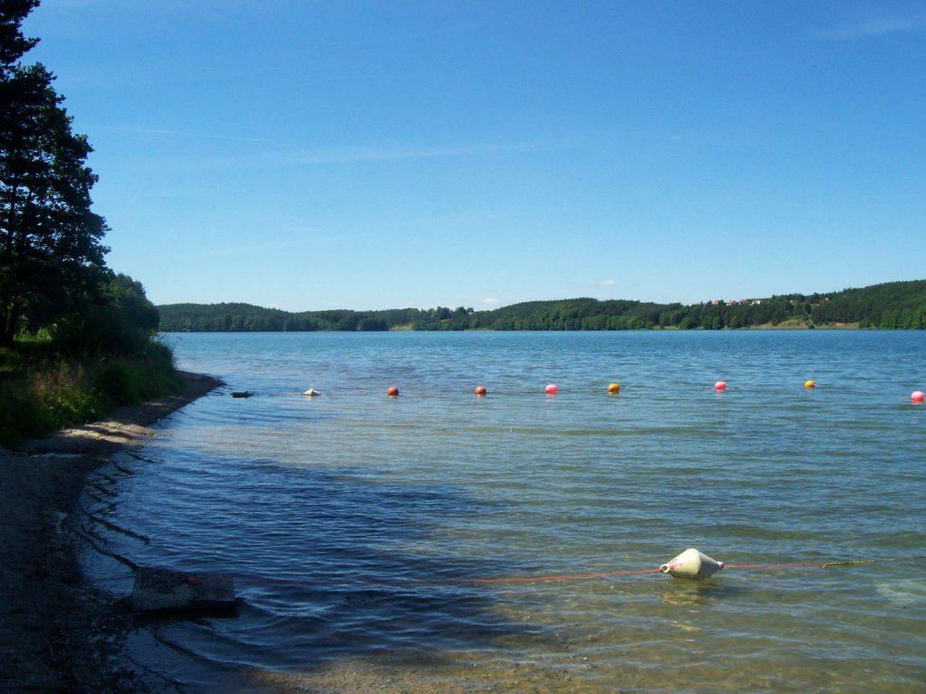 Zu sehen ist der Radaune-See in der Kaschubischen Schweiz, Bild: Pomuchelskopp