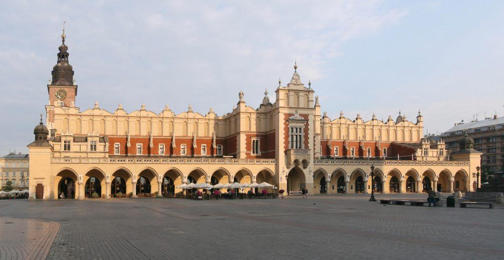 Zu sehen sind Krakaus Tuchhallen, Bild: Ludvig14