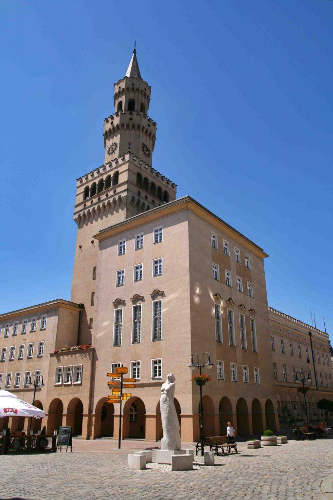 Zu sehen ist das Rathaus in Oppeln, Bild: Lestat Jan Mehlich