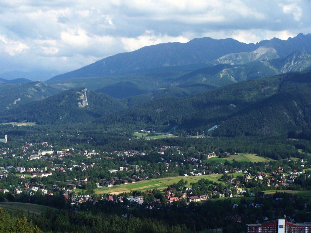 Zu sehen ist der Blick vom Butorischen Loch auf die Tatra und Zakopane, Bild: Jerzy Opioła
