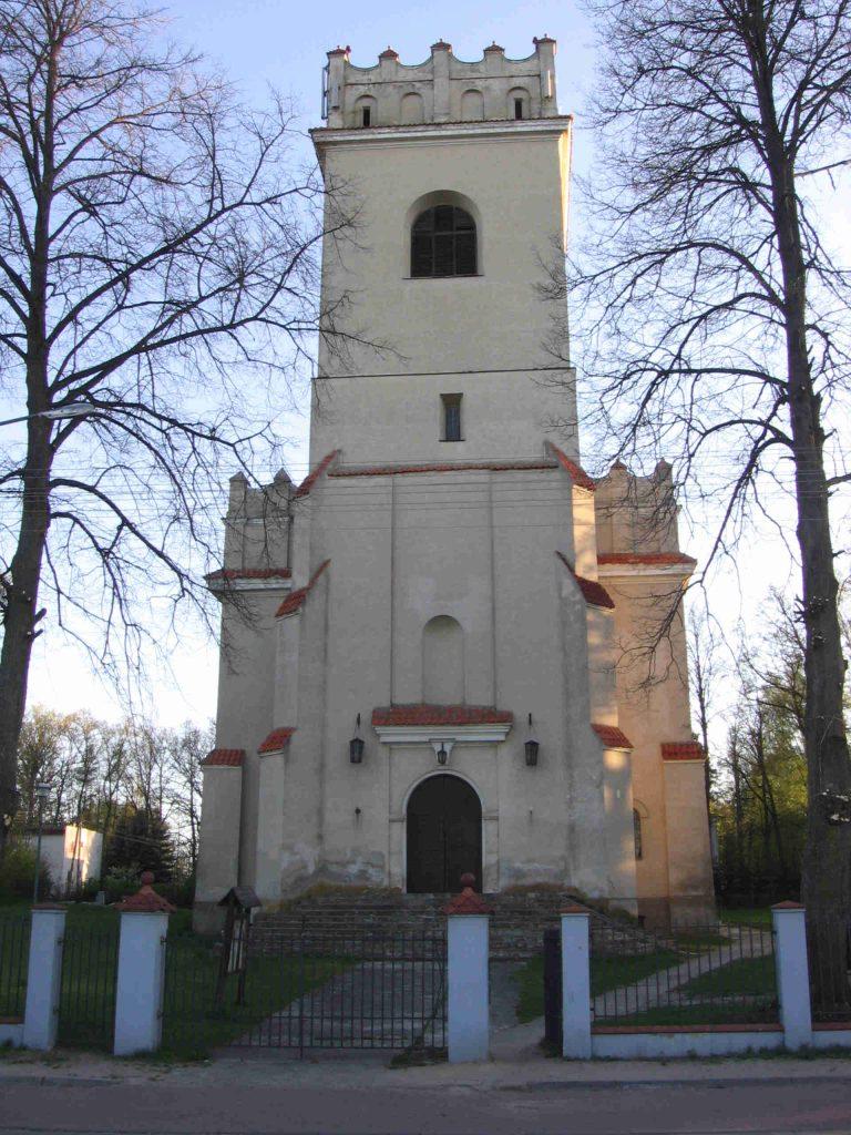 Zu sehen ist eine Katholische Kirche in Białowieża, Bild: Julo