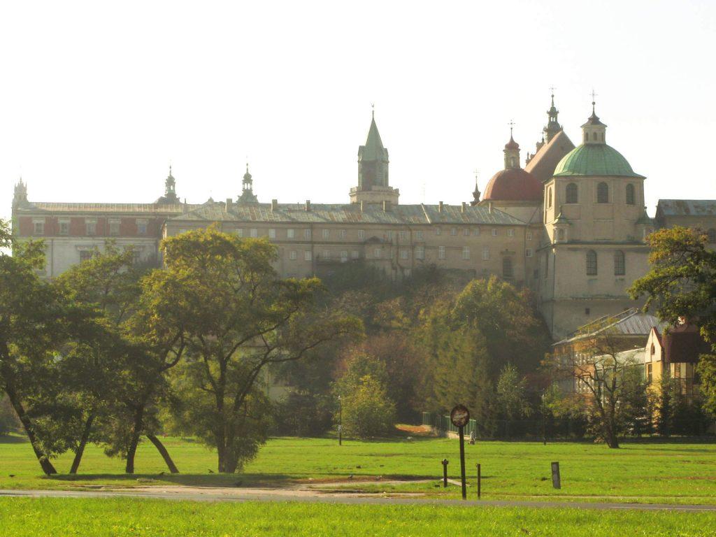 Zu sehen sind das Anderson Theater und die Dominikanische Kirche in Lublin, Bild: Szater