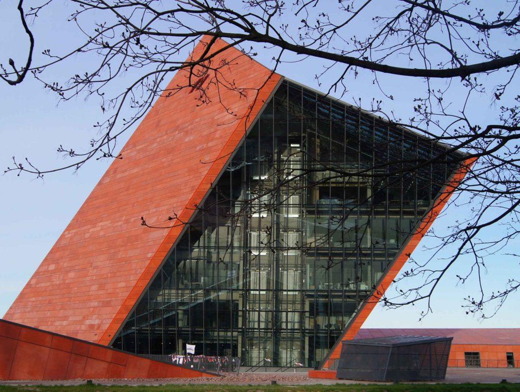Zu sehen ist das Museum des Zweiten Weltkriegs in Danzig, Bild: Rudolf H. Boettcher 1rhb