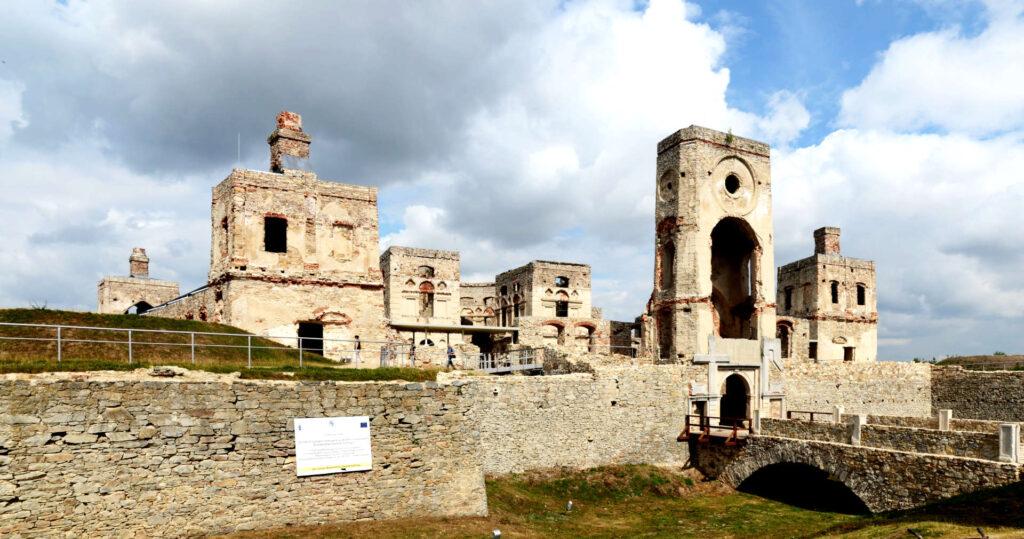 Zu sehen ist die Schlossruine von Krzyżtopór, Bild: Marcin Białek