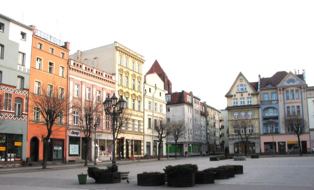 Zu sehen ist der Marktplatz von Brieg, Bild: Adam Dziura (adamdziura.9g.pl)