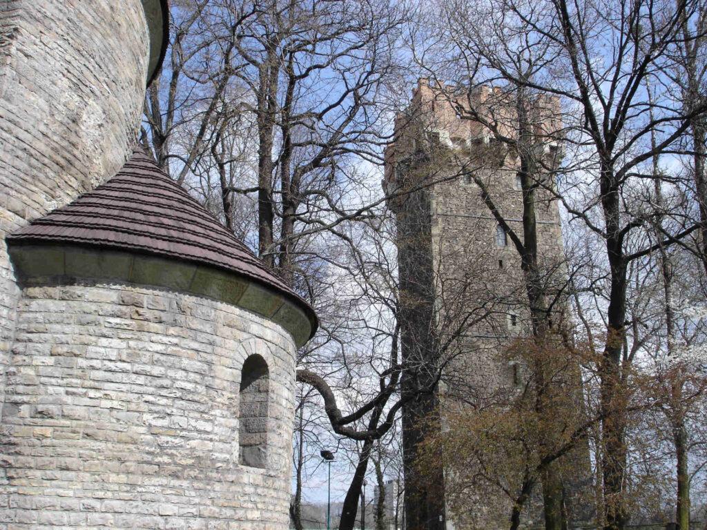 Zu sehen sind die St. Nikolauskirche und der Piastenturm auf dem Burgareal von Teschen,Bild: Diether