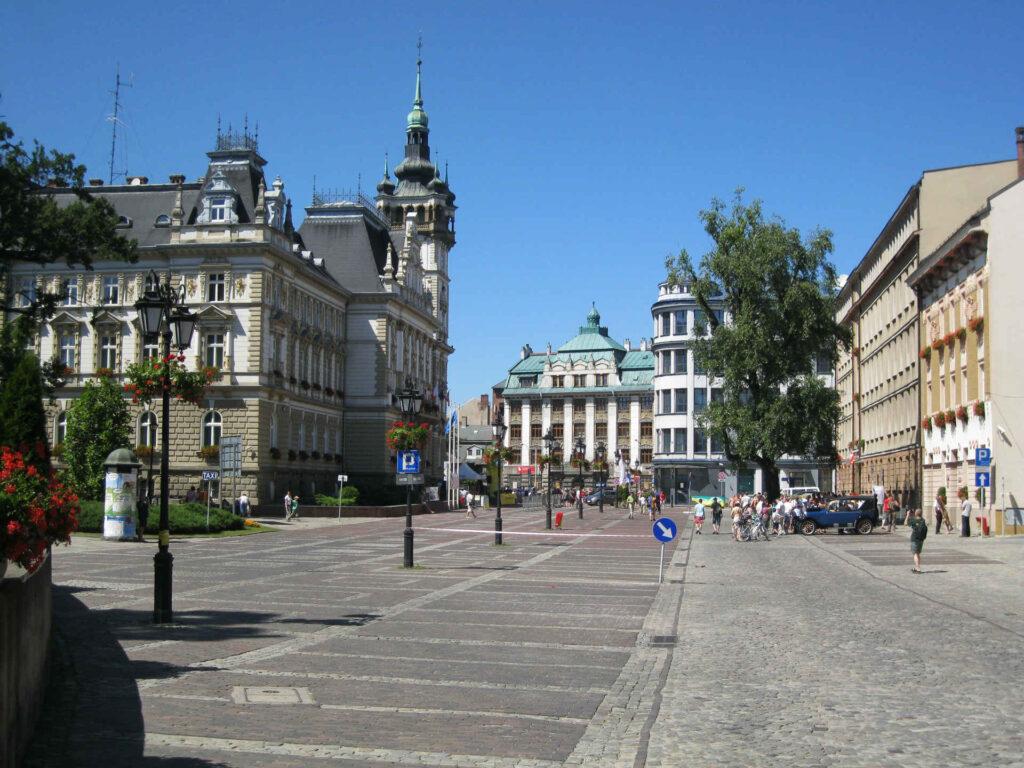 Zu sehen sind Innenstadt und Rathaus in Bielitz-Biala, Bild: Int-media-bielsko