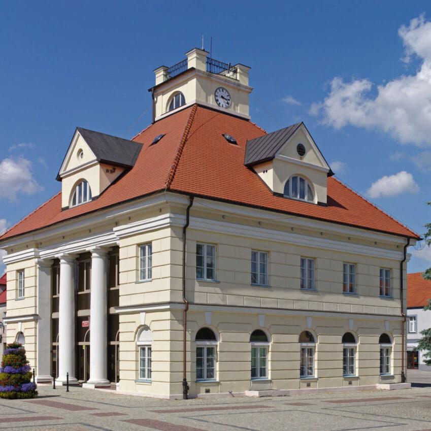 Zu sehen ist das Rathaus von Łęczyca, Bild: Chrumps.jpg