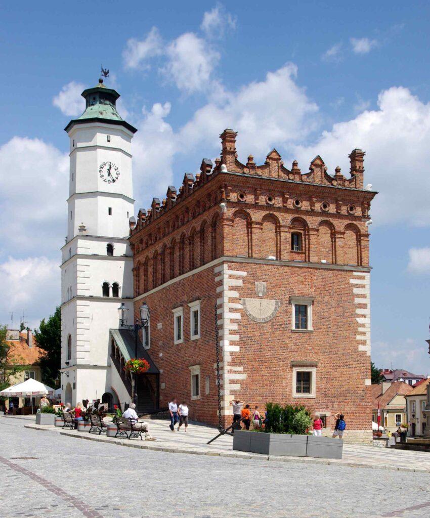 Zu sehen ist das Rathaus in Sandomierz, Bild: Jakub Hałun