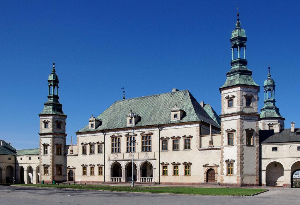 Zu sehen ist der Bischofspalast von Kielce, Bild: Jakub Hałun