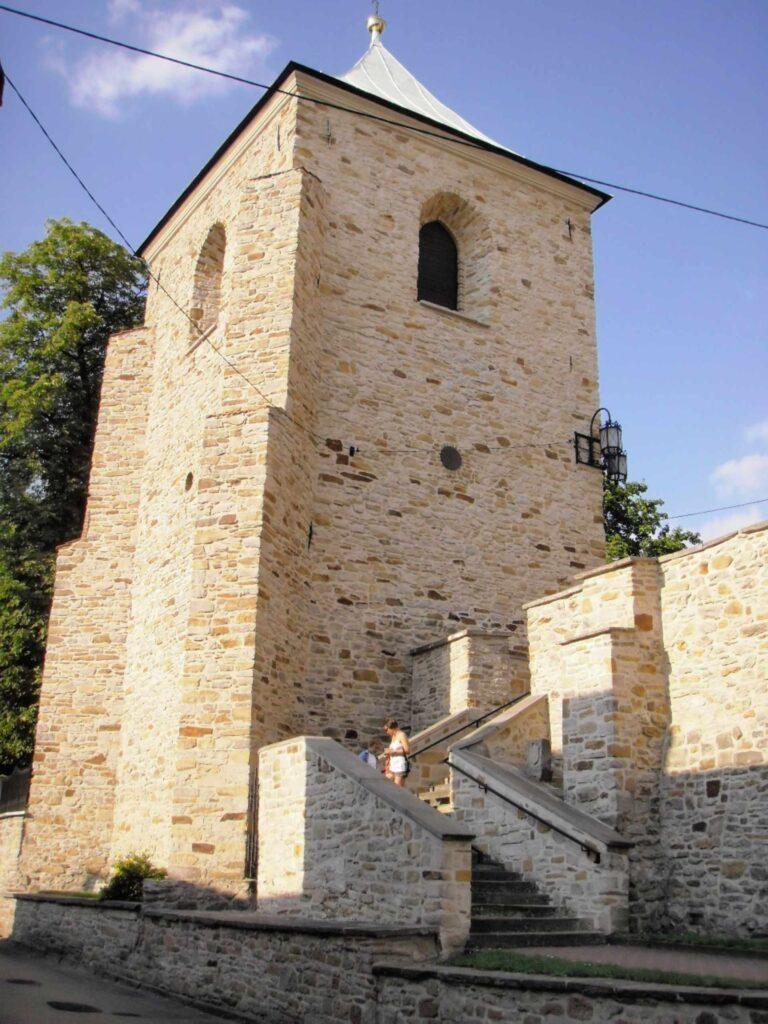 Zu sehen ist der Glockenturm in Szydlowiec, Bild: Autostopowicz