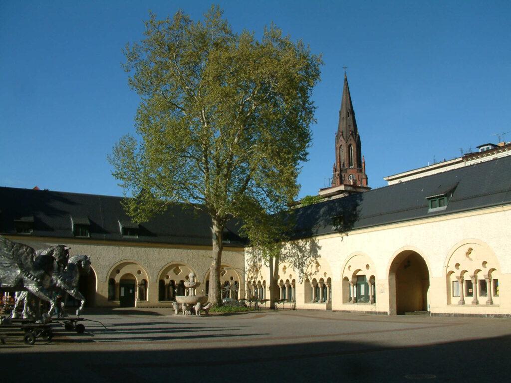 Zu sehen ist das Königliche Residenzschloss in Posen, Bild: Radomil