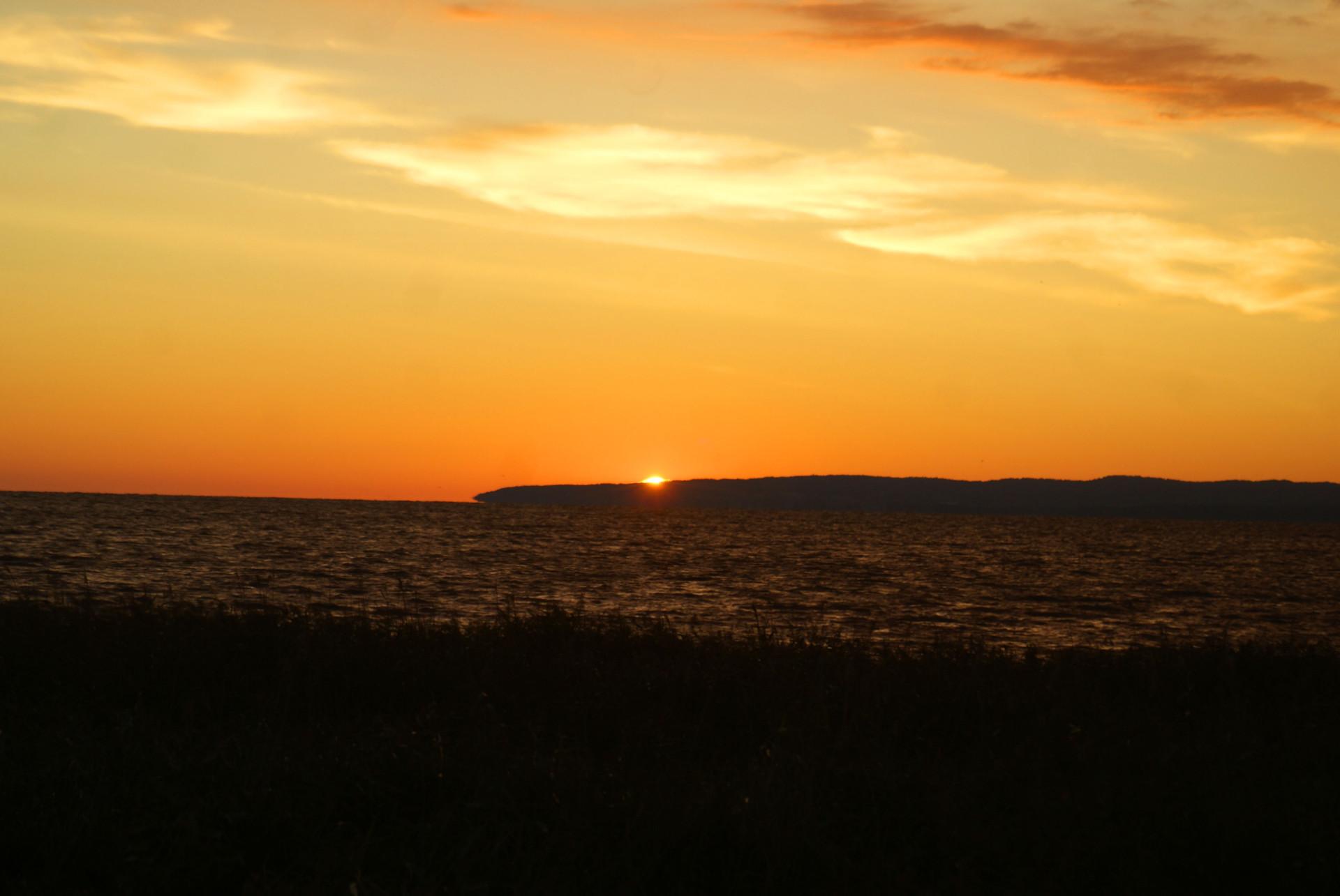 Zu sehen ist ein Seeblick bei Nacht an der Frischen Nehrung, Bild: Alan-Szmyt