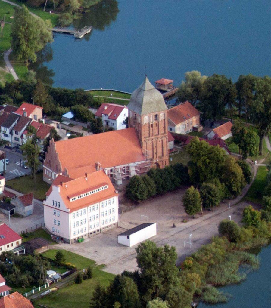 Zu sehen ist die Evangelische Kirche in Passenheim (Pasym), Bild: ZeroJeden